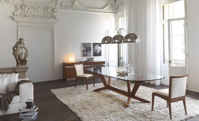 Varie soluzioni di arredamento classico per la casa for Arredamento casa classico