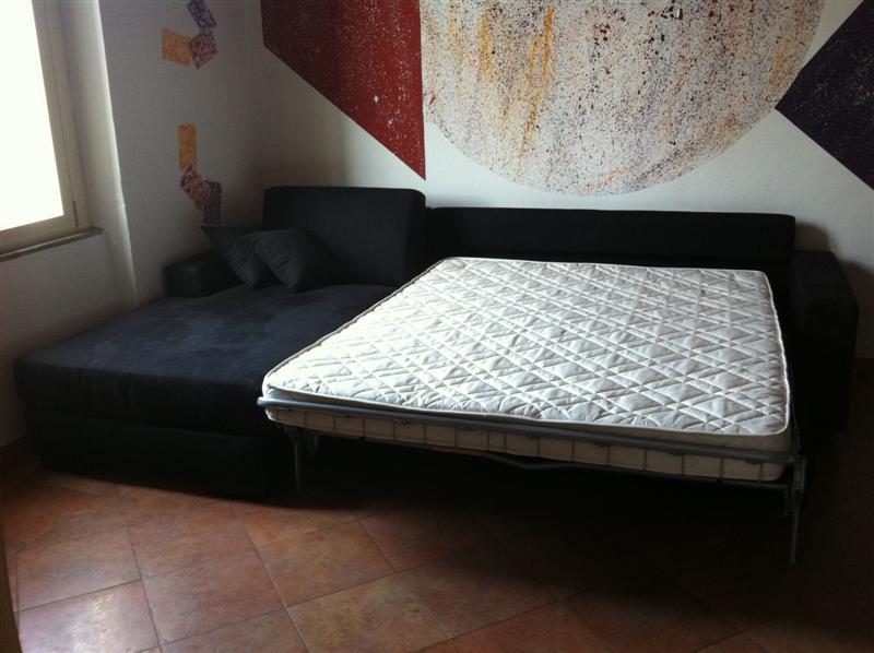 Ottima soluzione per piccoli appartamenti divano letto for Arredare piccoli appartamenti