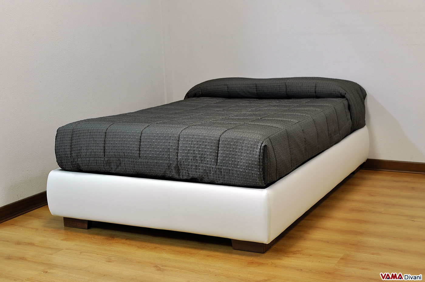 Cos 39 il letto una piazza e mezzo for Ikea letto 1 piazza e mezza