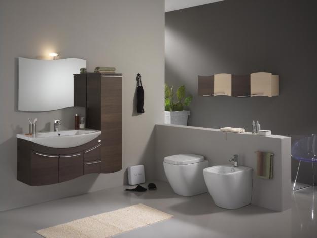 Prendersi cura dell\'arredamento del proprio bagno.
