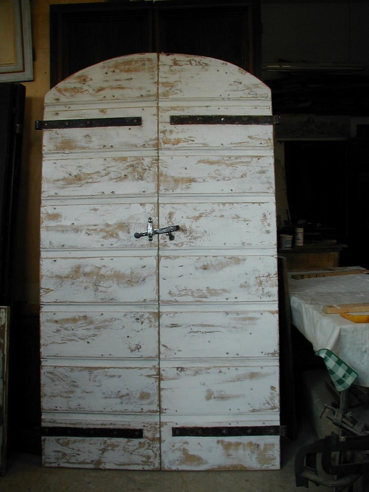 Il riuso di porte portoni e mobili vecchi ed antichi - La vecchia porta ...