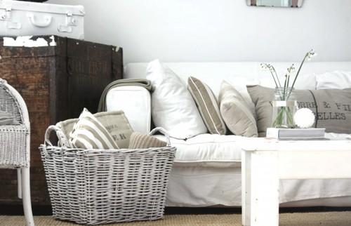 arredare la casa al mare - soggiorno in stile coastal