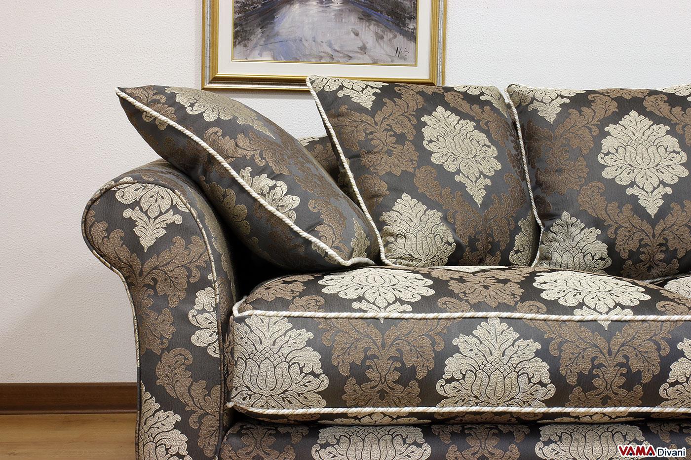 Tessuto damascato idea interessante per rivestire un divano for Prezzi per rivestire un divano