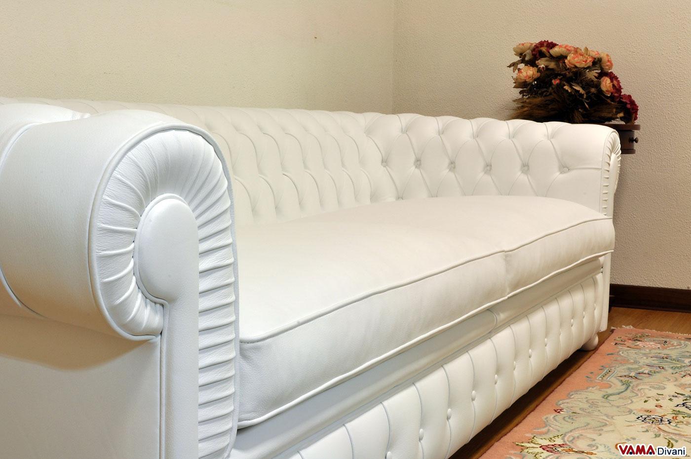 Il divano chesterone la versione huge del classico - Divano in pelle bianca ...