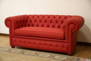 Insolito divano Chesterfield con cuscino unico